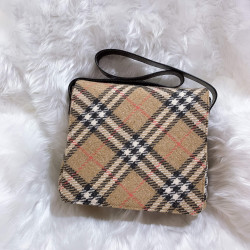 Burberry Linen Shoulder Bag - 00645